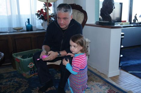 Dad and daughter cooperation